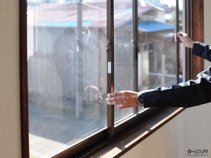 窓サッシの点検